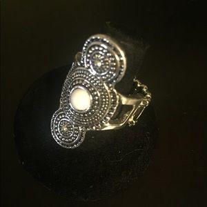 Silver ring w/ white stone